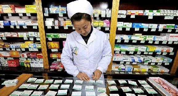Drogtillverkningsfabrik i Kina: förfalskade produkter